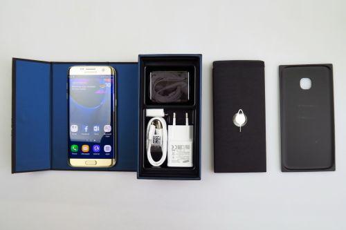 Continutul cutiei lui Samsung Galaxy S7 Edge