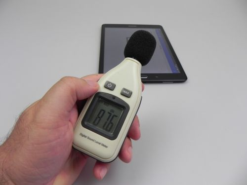 Samsung Galaxy Tab A 9.7 - Test cu decibelmetru