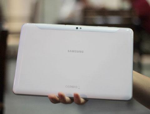 Samsung Galaxy Tab 10.1 alb (spate)