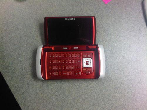 Samsung va lansa 4 telefone noi