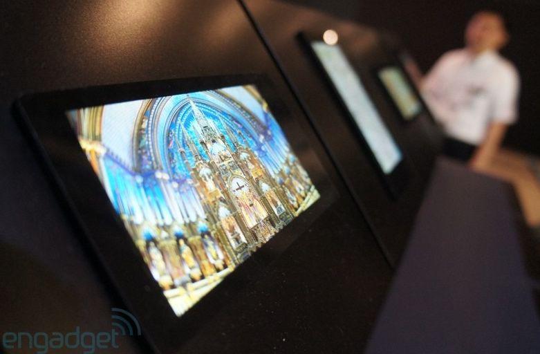 Sharp prezintă display-uri Full HD de 5 inch pentru telefoane la CEATEC 2012 (Video)