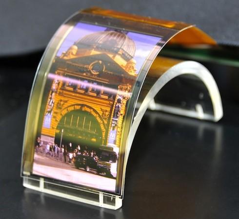 Sharp prezinta ecranele viitorului: display-uri flexibile, panouri IGZO LCD si OLED, super rezolutii!