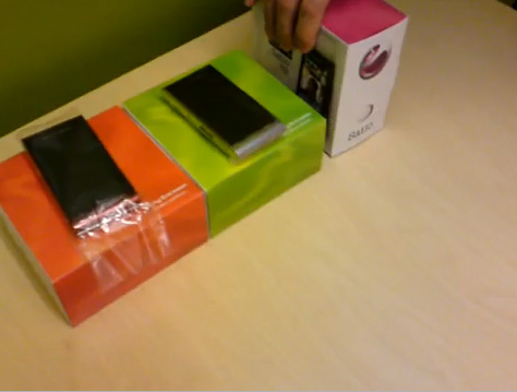 Sony Ericsson Satio, scos din cutie in fata camerei (Video)