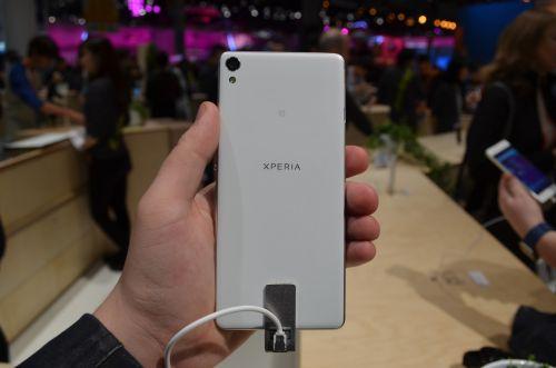 Sony Xperia XA din spate