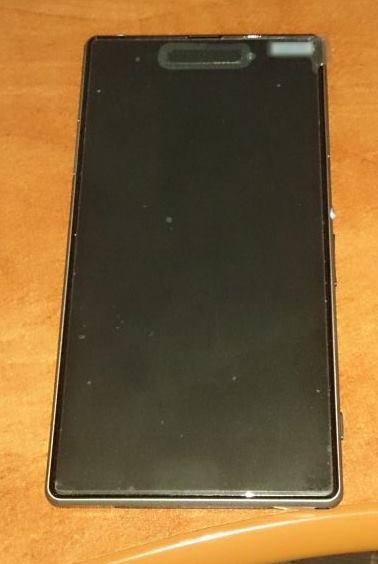 Sony Honami Își face apariția În noi imagini, de data aceasta pe negru; Arată ca un Xperia Z cu spate mat