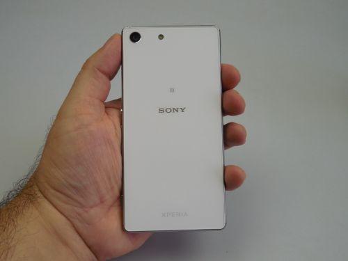 Sony Xperia M5 fotografiat din spate
