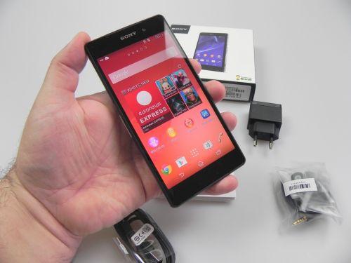 Sony Xperia Z2 Unboxing: cameraphone-ul rezistent la apă revine! (Video)