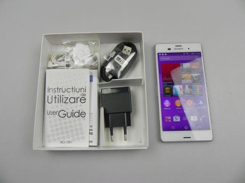 Continutul cutiei lui Sony Xperia Z3