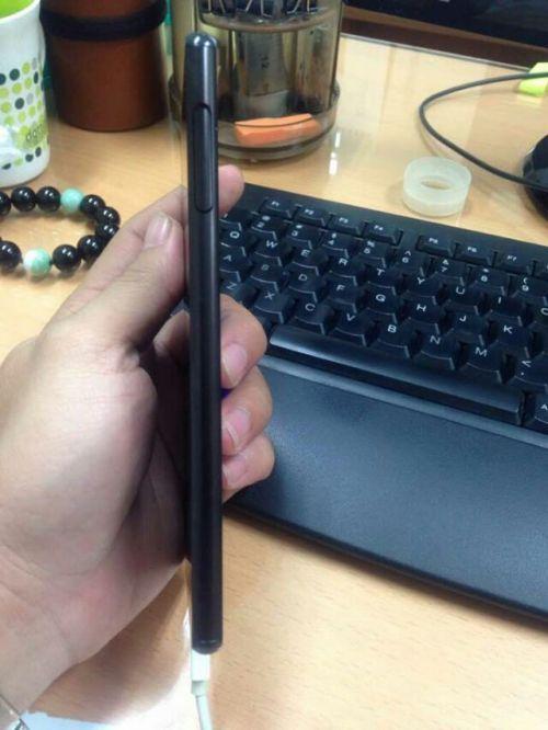 Imagini cu Sony Xperia Z4