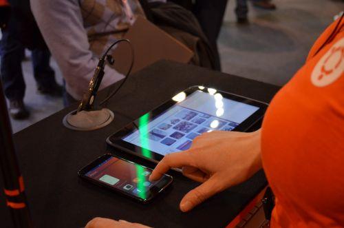 Ubuntu Touch Phone și Ubuntu Tablet OS