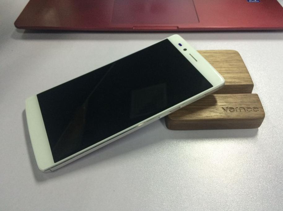 Producătorul chinez Vernee anunţă telefonul Apollo Lite, cu procesor MediaTek Helio X20