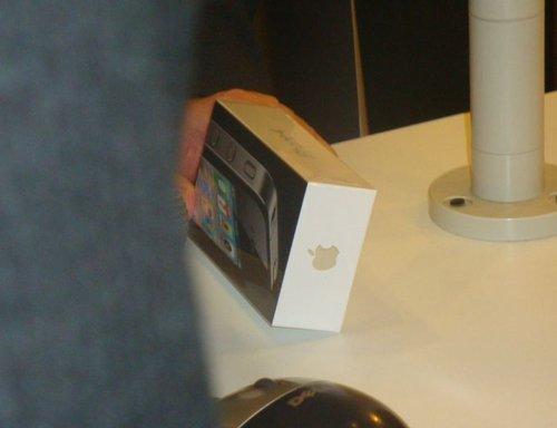 Primul iPhone 4 vandut de Vodafone