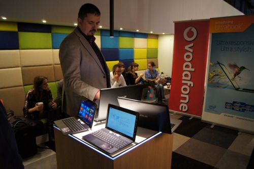 Declarațiile Microsoft, Intel, ASUS, Vodafone