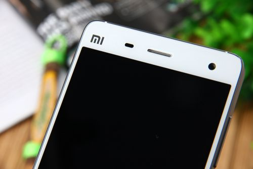 Xiaomi Mi 4 costă acum doar 153.99 dolari