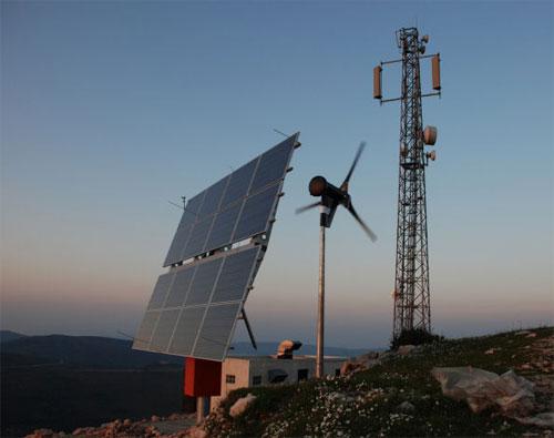 Un operator turc foloseste o statie de amplificare pe baza de energie eoliana
