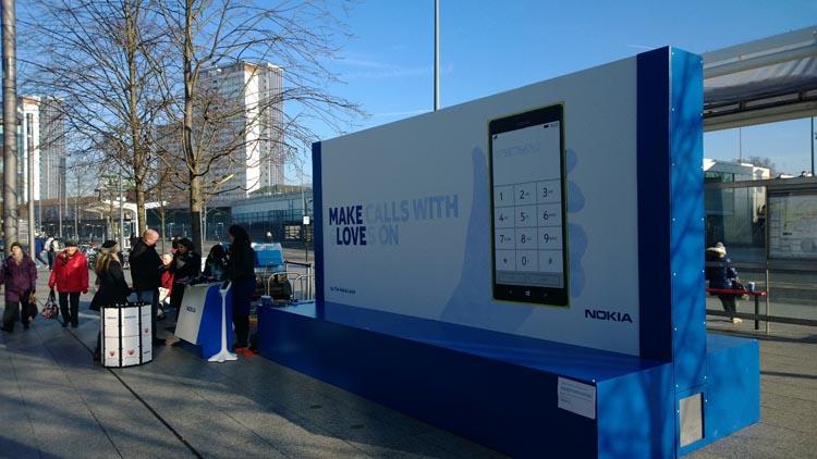 Nokia folosește reclame outdoor termosensibile pentru a scoate În evidență abilitățile telefoanelor sale
