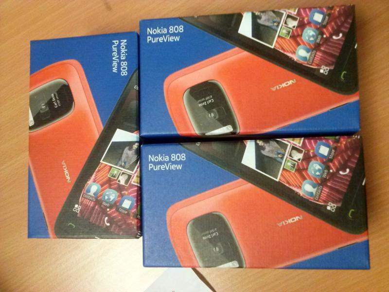 Nokia 808 PureView va intra la vânzare În zilele următoare - scos din cutie În Asia
