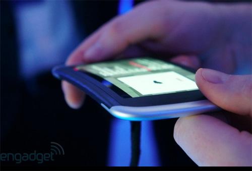 Telefon Nokia flexibil prezentat sub formă de prototip la Nokia World 2011 (Video)