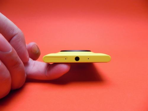 Specificatii Nokia Lumia 1020