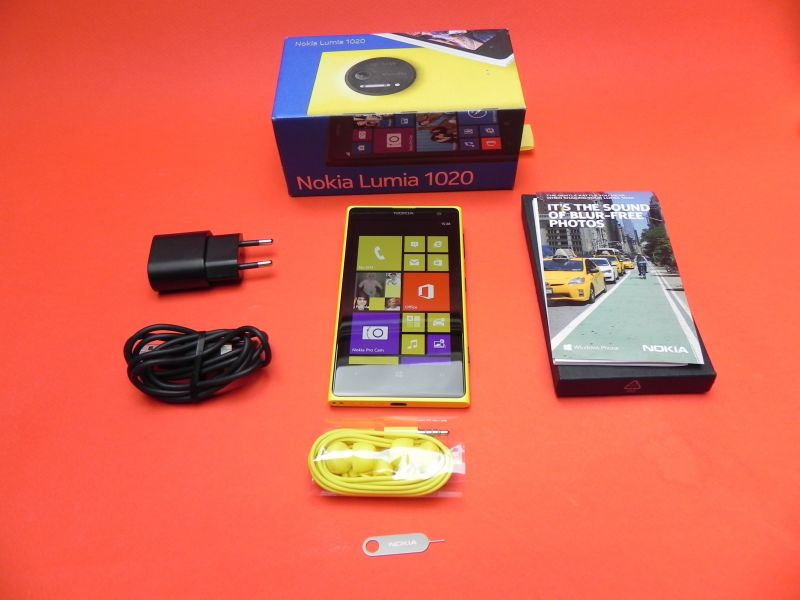 Nokia Lumia 1020 unboxing