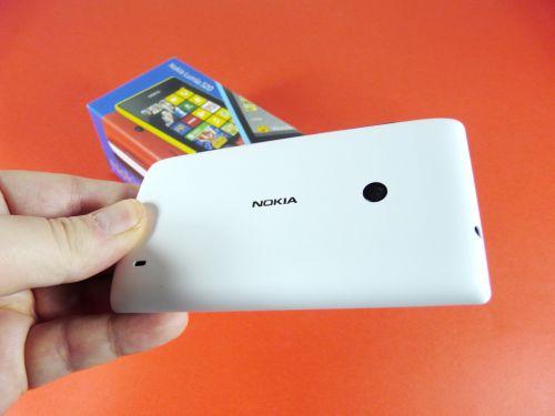 Nokia Lumia 520 unboxing: un telefon WP8 cu preț excelent (Video)