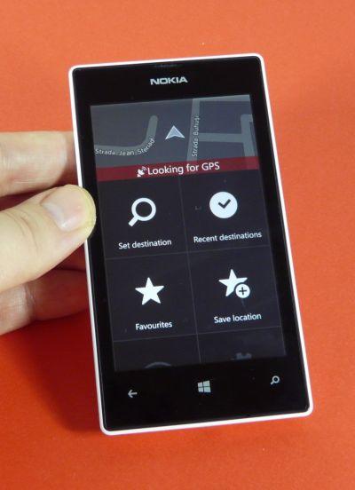 Pret Nokia Lumia 520