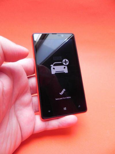 Pret Nokia Lumia 820