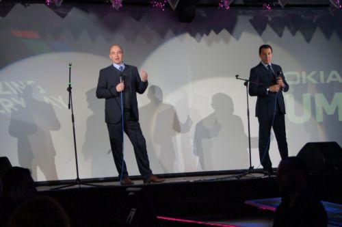 Momentul introductiv a fost scurt și la obiect. A vorbit reprezentantul de la cel mai Înalt rang pentru România și Ungaria - Marcus Storkel, Ronald Binkofski - CEO al Microsoft România și un vicepreședinte italian de la divizia europeană a Nokia