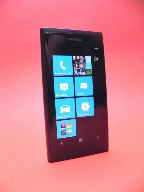 Interfata Metro a lui Nokia Lumia 800