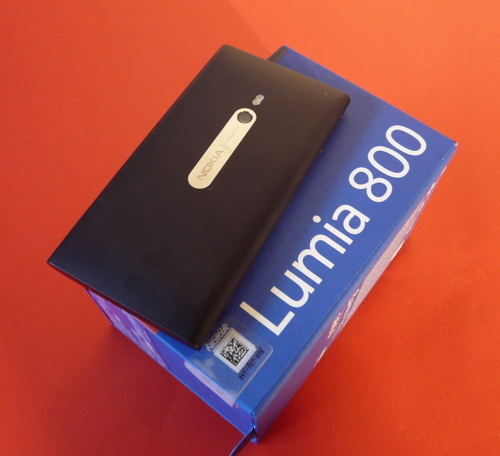 Nokia Lumia 800 Unboxing