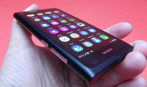 Nokia N9 - clear black display