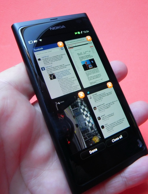 Nokia N9, multitasking