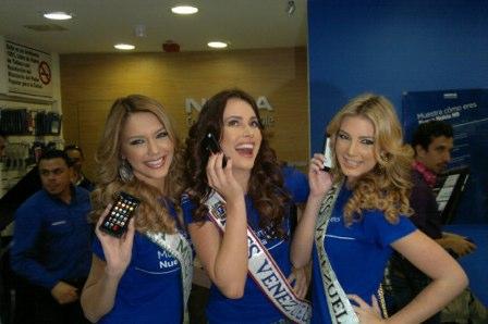 Tripleta sexy cu Nokia N9: 3 Miss Venezuela și 3 telefoane MeeGo