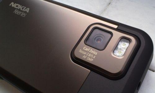 Utilizatorul unui Apple iPhone trece la Nokia N97 mini... concluziile aici!