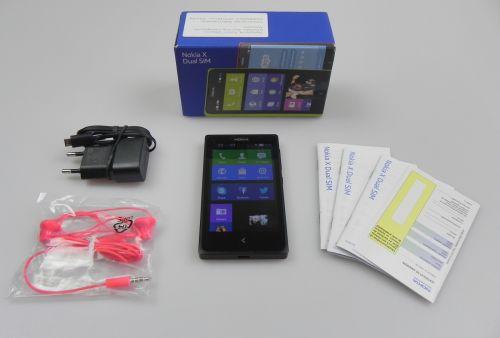 Nokia X scos din cutie - continutul cutiei