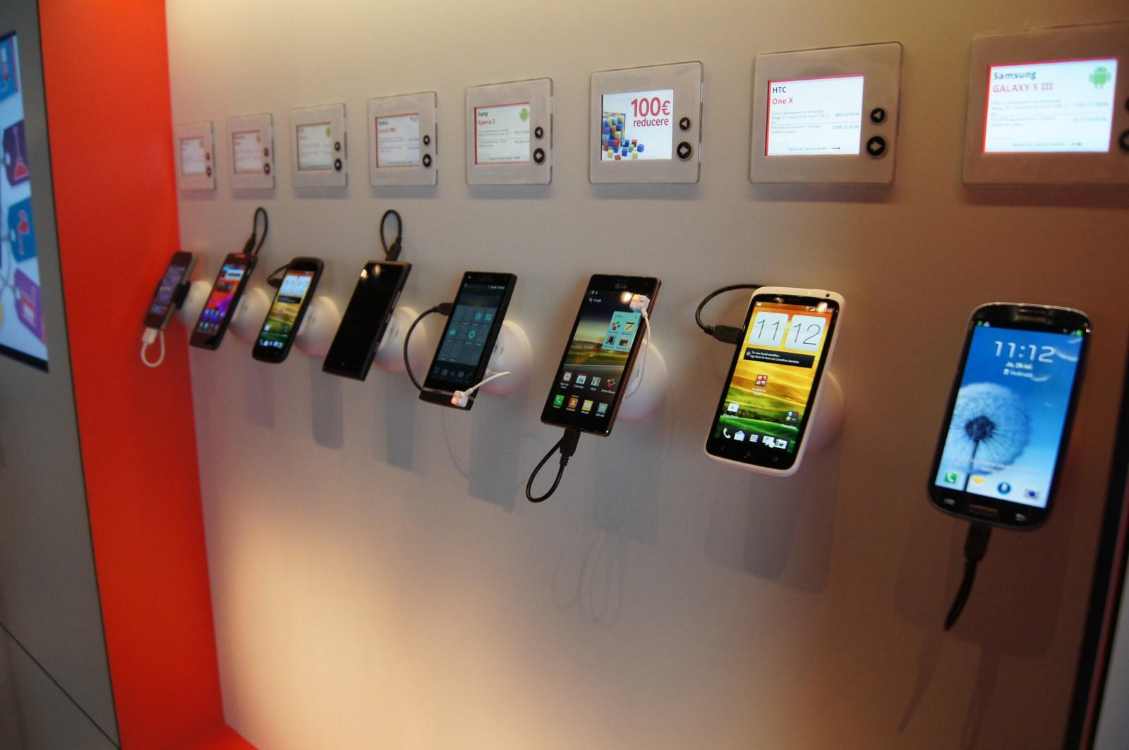 Analiză În 10 puncte a sistemelor de operare mobile ale momentului: Android vs iOS vs Windows Phone 8