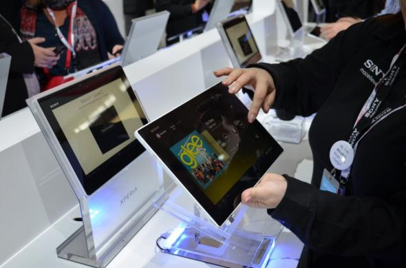 MWC 2013: Experienta hands on cu tableta Sony Xperia Tableta Z, cea mai subțire tableta din lume (Video): sony_xperia_tablet_z_13jpg.jpg
