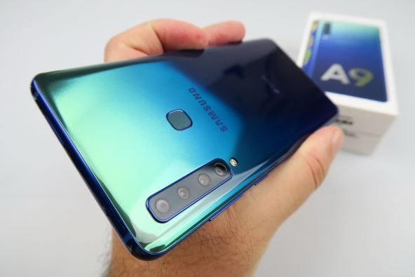 Samsung Galaxy A9 (2018) unboxing