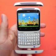 Review HTC ChaCha - mini-ecran, mini HTC Sense, maxi socializare! (Video)