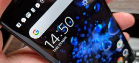 Sony Xperia XZ2: Display ultra-luminos, face OLED-ul gelos