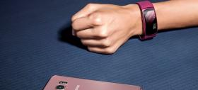 Samsung prezintă tracker-ul fitness Gear Fit 2 și căștile wireless Gear IconX
