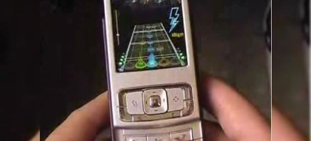 Guitar Hero Mobile te face star rock pe mobil!