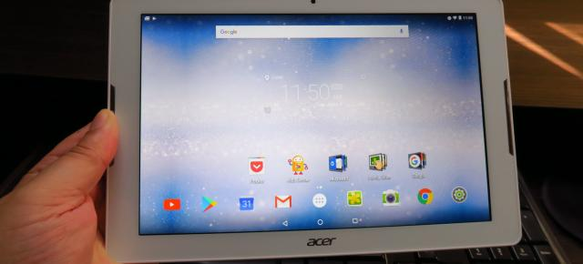 Acer Iconia One 10 (B3-A30): Display modest, dar OK la interior