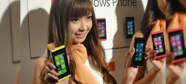 Windows Phone Mango În acțiune pe primul telefon dedicat: Fujitsu Toshiba IS12T (Video)