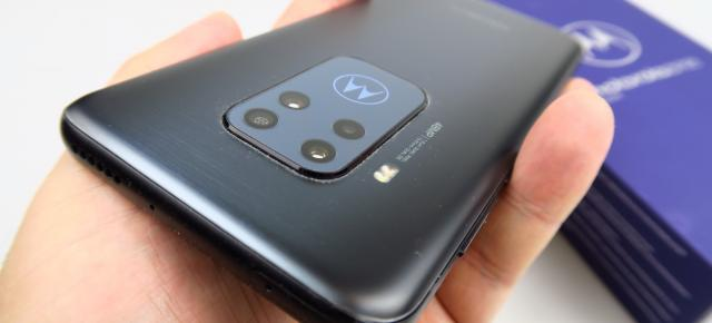 Motorola One Zoom: Hardware de high midrange, în afară de CPU