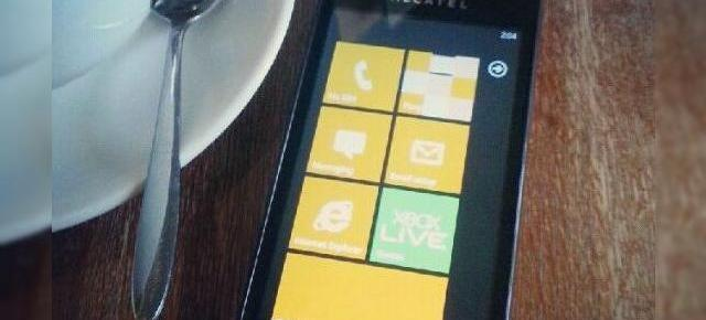 Alcatel va lansa un smartphone cu Windows Phone 7.8 până la final de an