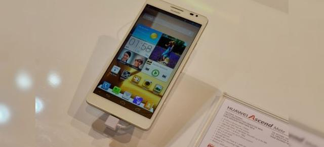 MWC 2013: Hands on cu Huawei Ascend Mate, mamutul care face Galaxy Note II să pară un pitic (Video)