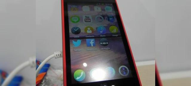 MWC 2014: ZTE Open C hands on preview - telefon entry level cu Firefox OS 1.3