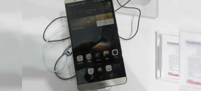 IFA 2014: Huawei Ascend Mate 7 hands on - mega phablet de 6 inch, cu scanner de amprente În spate (Video)