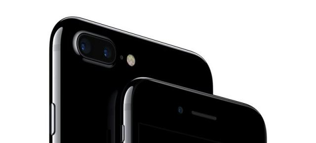 iPhone 7 şi iPhone 7 Plus în varianta Jet Black sunt predispuse la zgârieturi, conform Apple